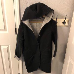 LULULEMON City Bound Jacket Size Small?